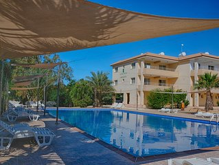 Nissi Beach 2 bed Seaview Penthouse - WIFI, pool view,  5 mins  to Nissi Beach,