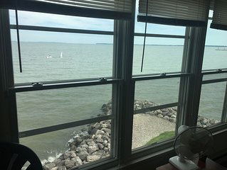 **NEW LISTING** 240-E Waterfront: 1 BR sleeps 4