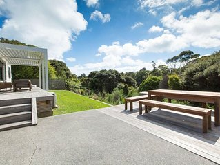 Karaka Sanctuary - Tranquil Family-Friendly Holiday Home