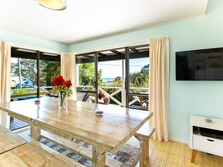 Drop Anchor - Beachfront Bach - 4 Bedroom Kiwi Character Home