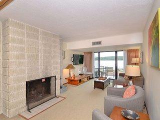 101B- Lakefront condo, one bedroom,  sleeps four!