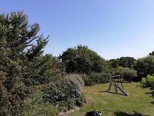 Maison avec grand jardin dans la presqu'Ile de Rhyus