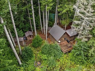 Iron Goat Getaway- The Closest Cabin to Stevens!