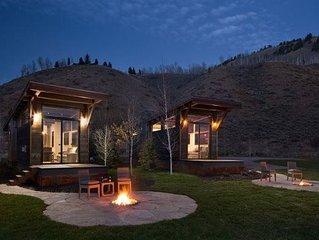 Vacation Rental Cabin. Sleeps 3. 1 bedroom, 1 bath.