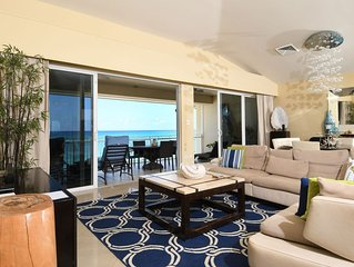 Luxurious Condo on 7 Mile Beach, Expansive Beach/Water Views, 5star Decor
