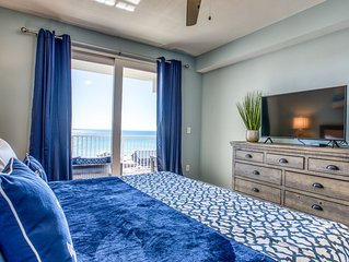 SPECIAL!!! BOOK THIS BEAUTIFUL CONDO  OVERLOOKING THE GULF SLEEPS 8!