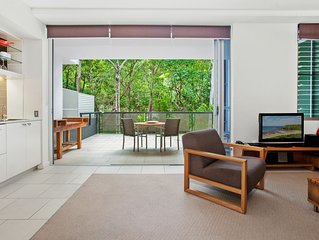 'Sundeck Retreat' - Private Luxury Near the Beach.
