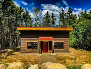 New construction cabin :: 5 minutes to Whiteface :: Hiking/Biking/Skiing