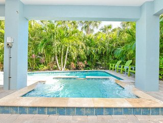 Enjoy the views with family and friends at Coastal Cove! Pool and spa, close to