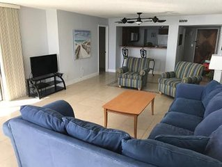 ON THE BEACH SPACIOUS 2 BEDROOM CONDO WITH OCEAN FRONT VIEW ON DAYTONA BEACH!!!