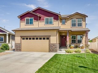 Amazing 4 bedroom beautiful house located near Centerra Mall and I-25!