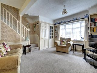 Cobblers Cottage - Two Bedroom House, Sleeps 3