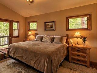 Romantic LongView Chalet at Rocky Creek Lodge