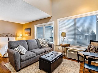 Bright, lofty condo w/ 2 decks & shared pool, tennis - walk to lift!