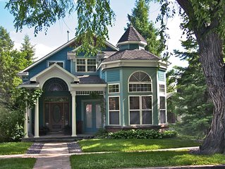ELEGANT VICTORIAN in Boulder, a walk from downtown
