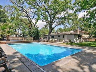 Ripple - 3 Bedrooms, 2 Bathrooms, Sleeps 8 w Pool And Hot Tub.  3 Bedrooms, 2 Ba