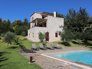 Ferienhaus mit Pool in ruhiger Lage, Wifi, bis 6 Pers., Lakonia, Peloponnes