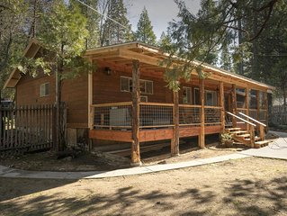 Cozy Bass Lake cabin super close to the lake and close to Yosemite!