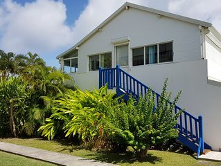 St Francois 3 pieces in bright tropical garden with swimming pool