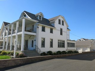 5 BR/3 BA - 250' from Beach - Great Ocean Views - Northern End