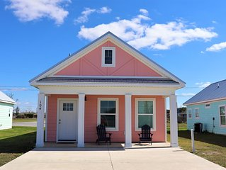 600 FT TO THE BEACH! COMMUNITY POOL, NEW, MODERN AND ADORABLE!