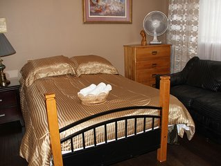 Large comfy room w private bath in great house