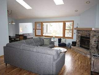 2 bedroom condo with pool only minutes from downtown Sister Bay!