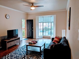 Big, Loverly Condo By M.d. Anderson/ Rice/ Nrg, With Amenities, All Yours