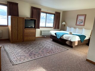 Ridgway Lodge & Suites - King Suite with Jacuzzi