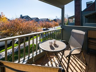 Location! Location! Escape to this beautiful air conditioned, pet friendly Siste