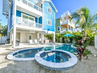 A True Star of a Luxury Home! 1 block to the beach, Rooftop Deck Views, and Pool