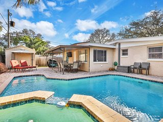 Comfy family-friendly house with private pool, hot tub & patio! Near the Beach!