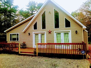 Beautiful Vacation home in Poconos. Enjoy nature in the mountains.Pet Friendly