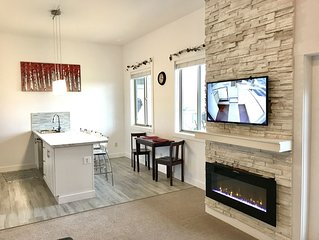 Staying longer? Ask for a better deal!  *WALK-OUT SUITE 2BDRM*  FOOTHILLS-VIEWS!