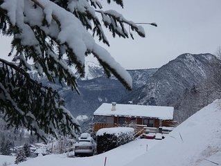 Chalet individuel avec jacuzzi, terrasse et vue imprenable sur la montagne
