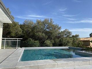 Rte des Sanguinaires Villa avec piscine a 150 m a pied de la plage.
