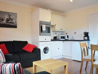 Ardree House, Garden Mews Apt. Only 3 Min Walk to Town Centre.