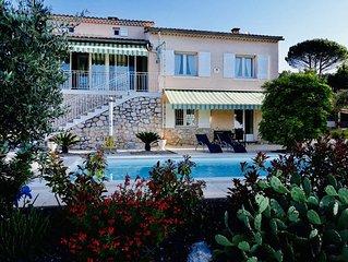 Maison AXALY Saint Martin d'Ardeche capacite 12 personnes avec piscine