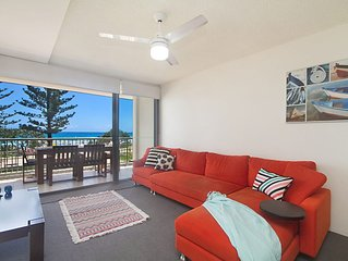 Kingston Court unit 7 - Right on the beach in Rainbow Bay, great location.