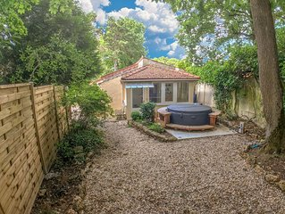 Maison 3 p 40m2 au calme avec jardin et jacuzzi