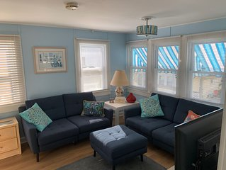 Charming Upper Cottage Downtown Rehoboth 1.5 Blks to Beach Sleeps 4 Pet friendly
