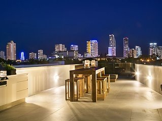 AMAZING ROOF TOP ENTERTAINING DECK – views, views, views