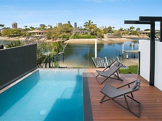 DESIGNER WATERFRONT HOME WITH ROOFTOP DECK & 360 DEGREE VIEWS!