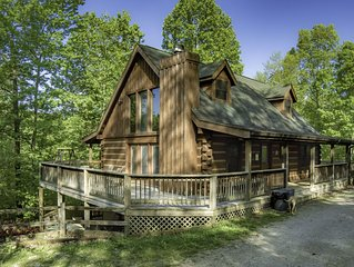 Sweet and Secluded Log Home with Outdoor Hot Tub!