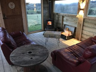 Sleeps 12 / Hot Tub / Cinema / Pet friendly