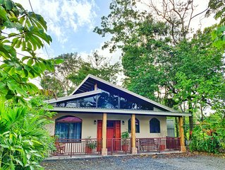 20 minutes from La Fortuna, Family-Sized House W/ Nice Porch for Bird-watching
