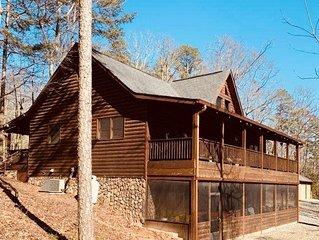 Heart of the Blue Ridge Mtns *Fresh Air* Close to trails, downtown & Lakes!
