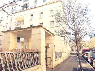 Spacieux 3 Pieces/standing/5 minute  Paris & metro 12/Parking
