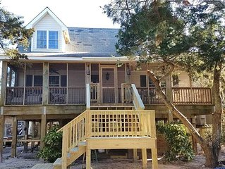 Better Days: Pet friendly home with enclosed yard. Screened porch.