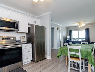 Top floor 2 bedroom condo only blocks from the North End Fishing Pier
